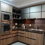Cozinha Planejada, tons: Marrom & bege.